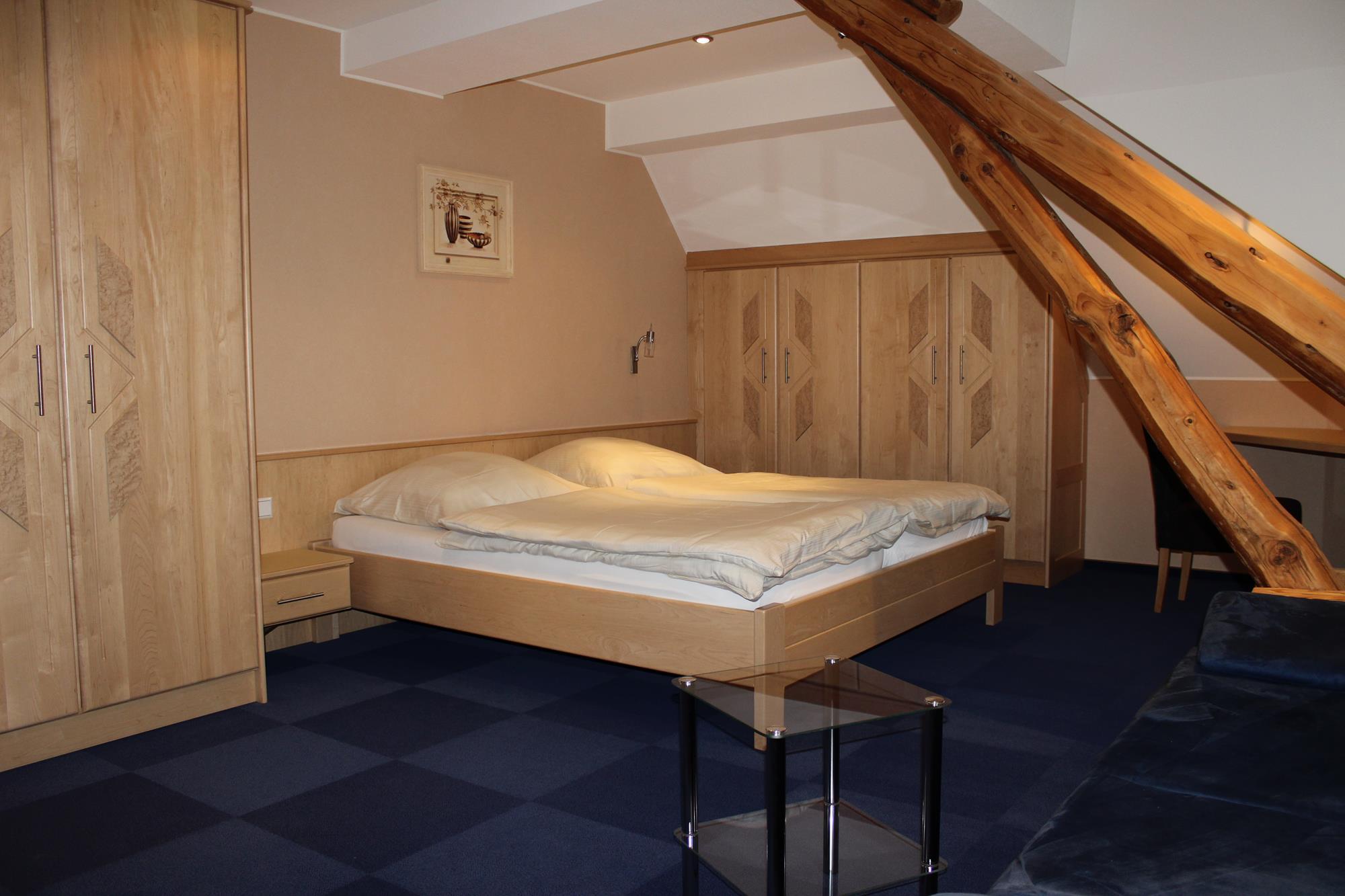 Chambre double - Chambres - Hôtel-Restaurant Reiff - Fischbach ...